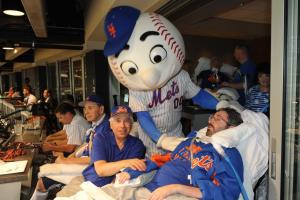 Mr Met and Scott